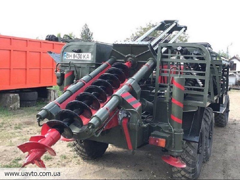 Буровая установка БГМ 1 на базе ЗИЛ 157