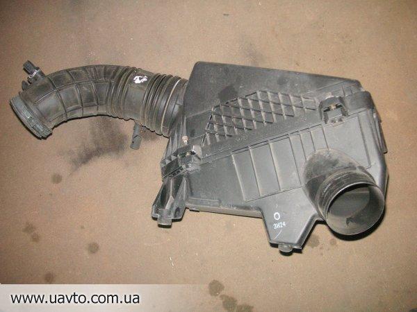 Корпус фильтра  на Honda Accord CL79