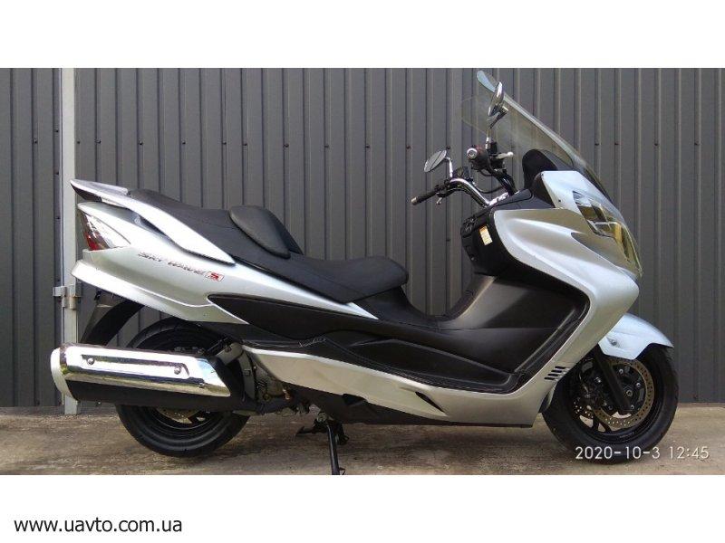 Скутер Suzuki Skywave -400