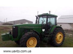 Трактор John Deere 8100