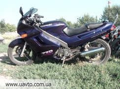 Мотоцикл Kawasaki ZZR-250-2