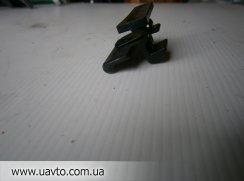 подлокотника Защелка крышки бара MITSUBISHIMR532555