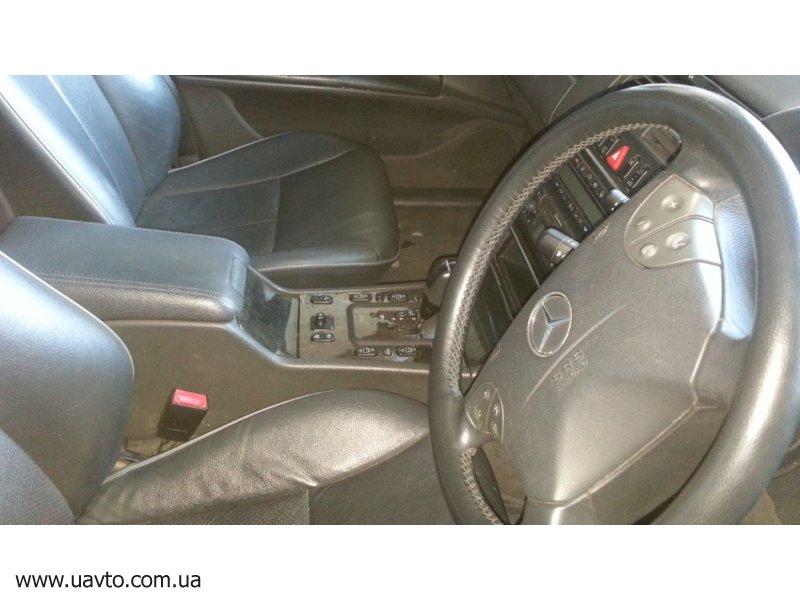 Mercedes-Benz E 320
